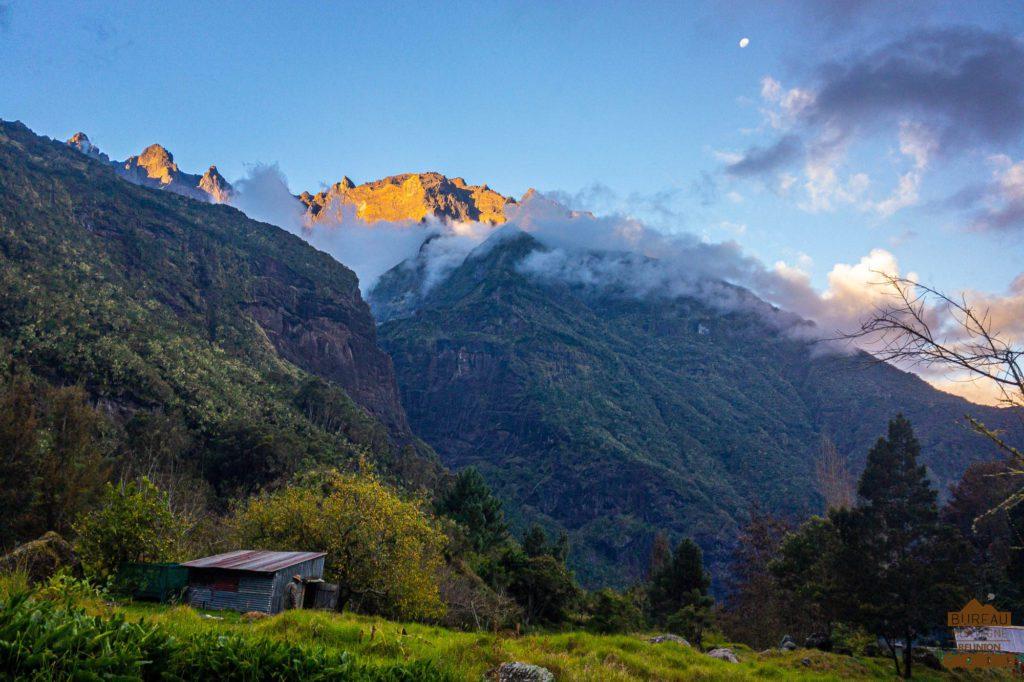 Arête du Gros Morne forêt du Grand Matarum cilaos salazes lune rando guide 974
