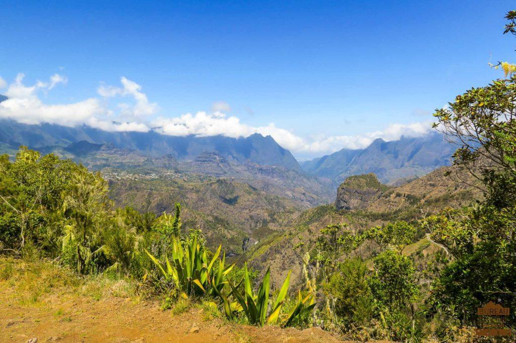 Vue sur Cilaos le piton de Sucre réunion trek rando 974