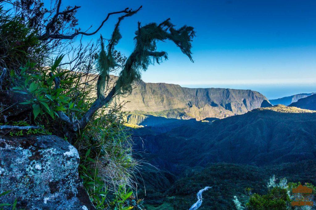 Le haut Mafate au petit matin grand place maido piton cazlumet réunion rando trek