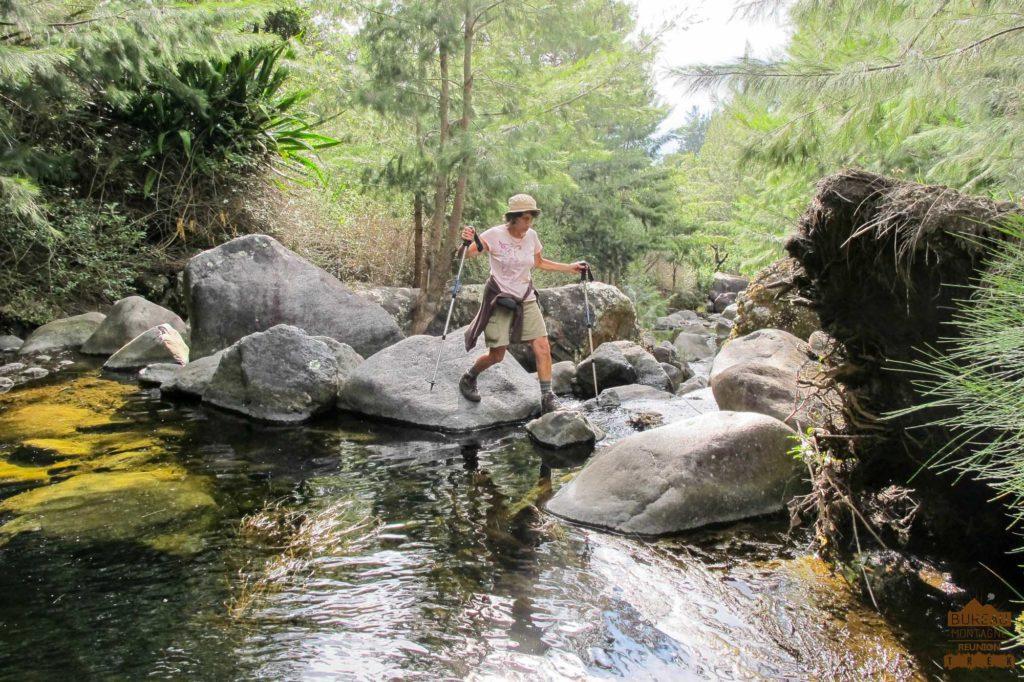 Rivière et Filaos dans Cilaos randonnée trek réunion